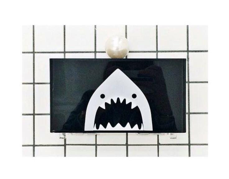 Art deco SHARK clutch.