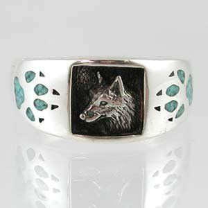 Southwestern Style Three Dimensional Wolf Head Ring in Sterl