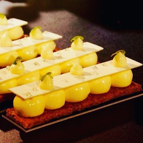 #lemon #citron #citroncaviar #sablés #patisserie #food #pastry #foodie #pastrylife #foodstagram #picoftheday #frenchpastry #pastryteam #foodforthought #foodlover #foodblogger #pastryartisan #french #paris