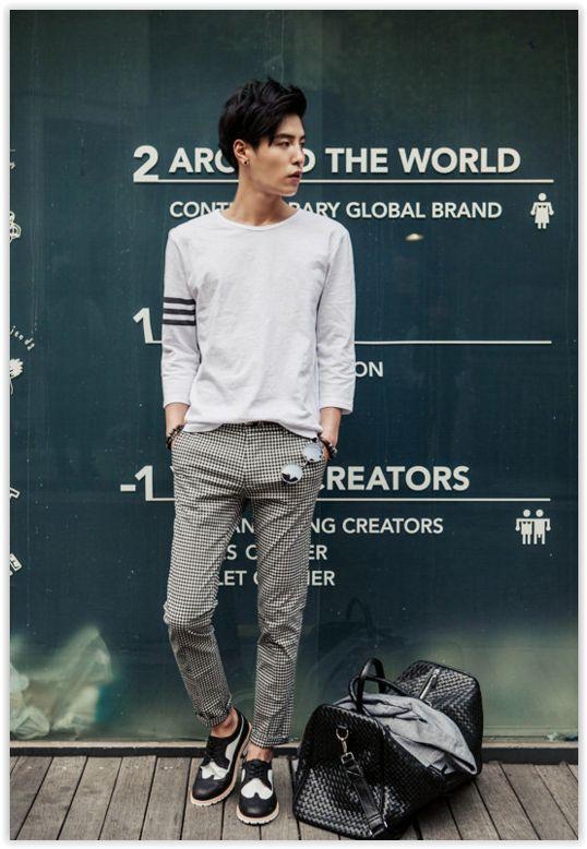 All Korean Fashion items up to 70% OFF! TOMONARI - Round-Neck 3/4-Sleeve T-Shirt #3/4sleeve #men'sfashion