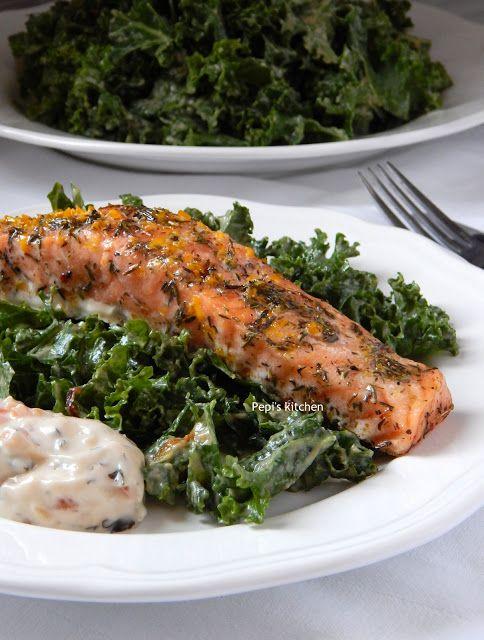 Ψητός Σολομός με Σαλάτα Kale και dressing με Σησαμέλαιο, Σκόρδο και Τζίντζερ http://pepiskitchen.blogspot.gr/2015/12/psitos-solomos-salata-kale-dressing-sesameoil-skordo-ginger.html