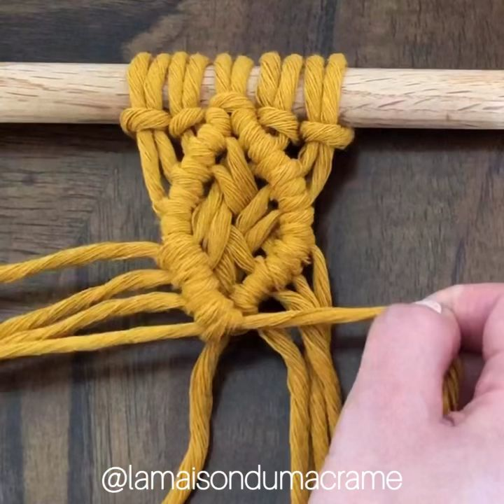 This geometric pattern consists of a diamond macrame shape made using Double Half Hitch Knots and an overlapping cords center. #macrame #macramewallhanging