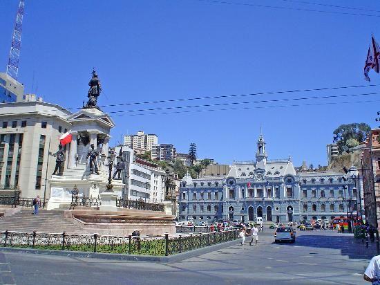Plaza Sotomayor, una de las plazas màs importante de Valparaiso