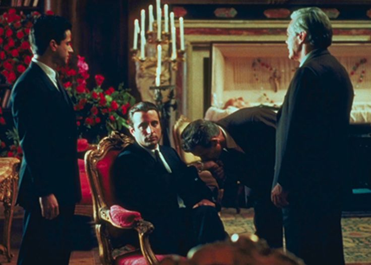 Images:The Godfather-Hand-kissing-Andy Garcia-Vincent Corleone-Pleadge of loyalty-Sicily-Trust