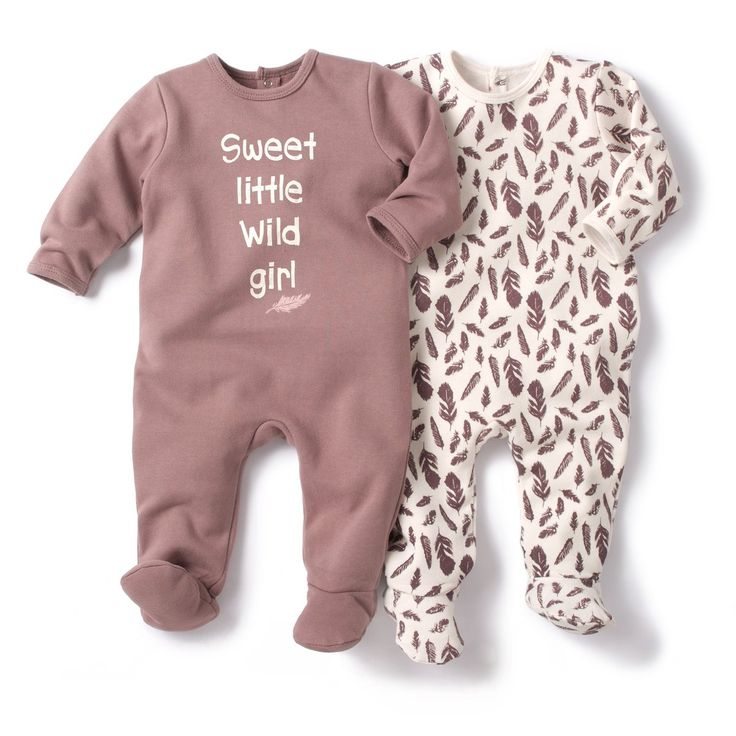 Pack of 2 Fleece Sleepsuits with Feet R baby : price, reviews and rating, delivery. Fleece sleepsuit with feet. Sold in packs of 2: one to wear whilst the other one is in the wash. 1 printed with feathers + 1 plain with motif on the front. Press-stud fastening on back and between the legs to make dressing easy. 60% cotton, 40% polyester. KEEP AWAY FROM FIRE.Non-slip feet from age 12 months (74 cm), elasticated at the back for extra support.