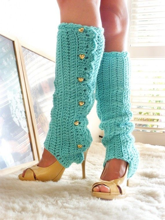 Need to find a similar pattern to make these. Crocheted Leg Warmers with Stirrups by Mademoiselle Mermaid