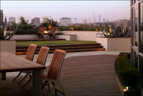 Roof terrace split level with gorgeous lighting london for Terrace level