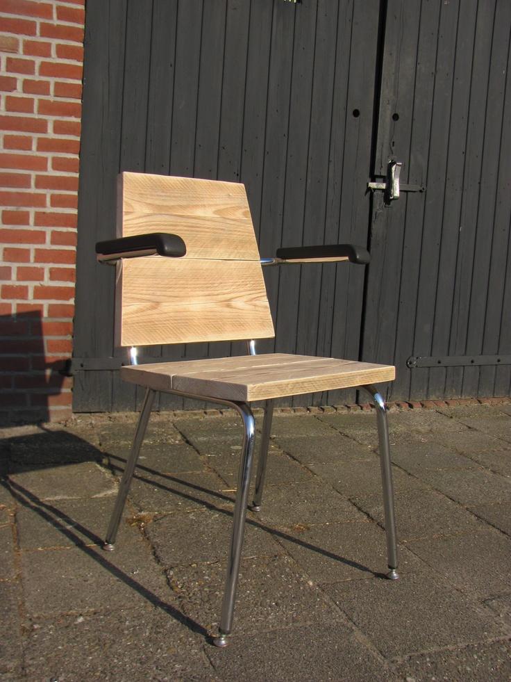 Oude stoelen krijgen tweede kans met hergebruikt hout - gemaakt door Matthijs Meulenberg, Breda - Buy Nothing New #bnnm12  https://www.facebook.com/matthijs.meulenberg/photos_stream