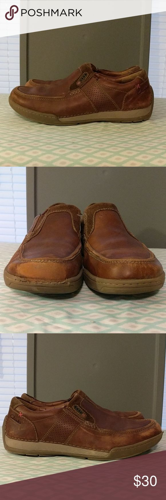 Clarks air vent mens slip on shoes sz 9 These shoes are in decent used condition. The biggest flaw being the scuff and wearing of rubber on the front of one shoe as pictured. Other than that they are in good condition. Size 9 Clarks Shoes Loafers & Slip-Ons