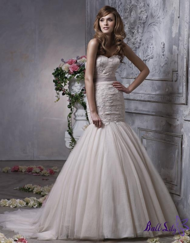 Organza Mermaid Strapless V-neck Halter sweep train sexy spring 2012 Anjolique Wedding Dresses AWD160