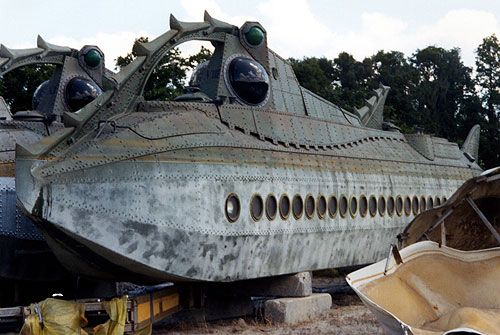 Spellbinding (and heartbreaking) Disney urban decay: the demise of 20,000 Leagues Under the Sea, the ride. Tons of great vintage photos & history here.