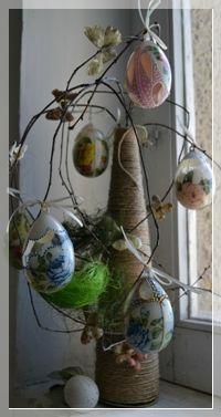 Uova di plexiglas trasparente decorate finemente per decorare una pasqua con classe e colori da pompea tagliente per lcdm.it