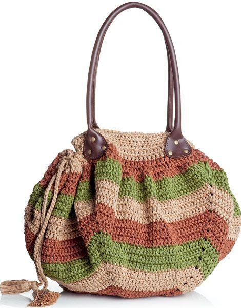 Saiba como fazer uma bolsa de crochê com três cores - Moda, Beleza, Estilo, Customizaçao e Receitas - Manequim - Editora Abril - Foto: Carlos Bessa