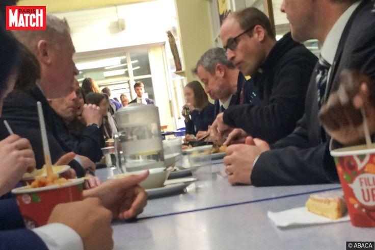 Pour une surprise ça a été une surprise! Ce mercredi, alors qu'ils venaient déjeuner dans la cantine de leur établissement scolaire, des élèves de Stevenage, une ville de l'est de l'Angleterre, y ont découvert assis en train de manger… le prince William! Explications.