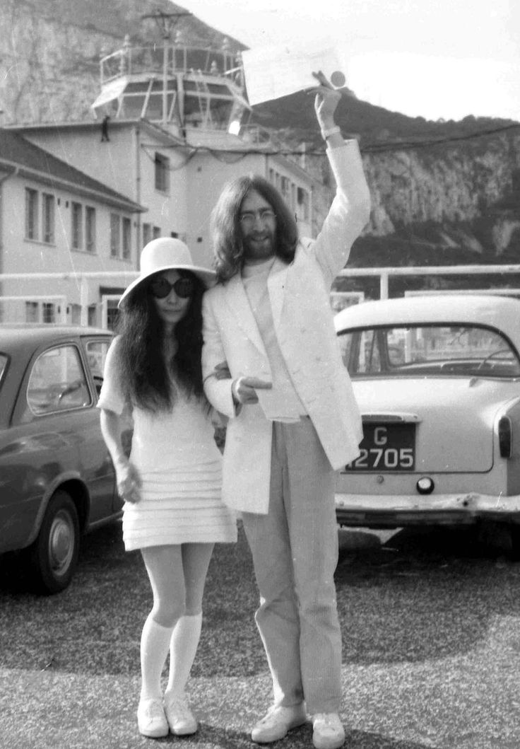 On this day in 1969, John and Yoko got married! (March 20th 1969)