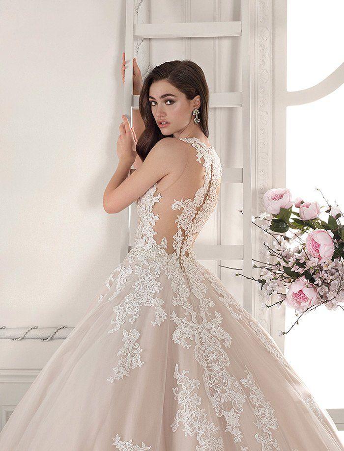 Bridesmaid Dresses Bridesmaid In Blush Bridal Party Goals Bridesmaid In Light Grey Light And In 2020 Dallas Wedding Venues Elegant Wedding Venues Airy Weddings