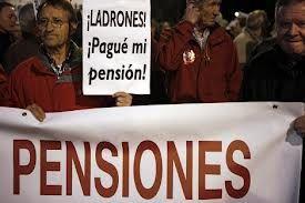 Los políticos acuerdan mantener su pensión máxima con solo 7 años cotizados mientras recortan todas las demás | Un espía en el congresoUn espía en el congreso