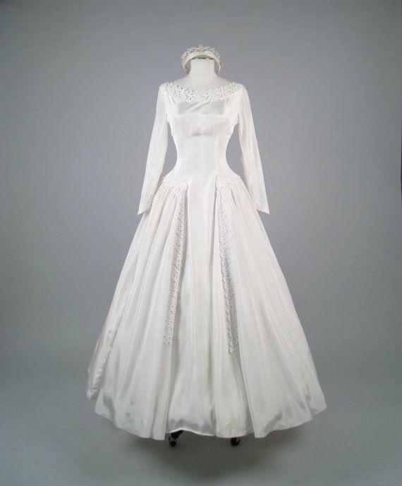 RESERVED Vintage 1950s Stunning White Silk Wedding Dress