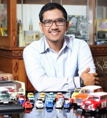 Rochmadoni Julianto, Kolektor Miniatur Mobil
