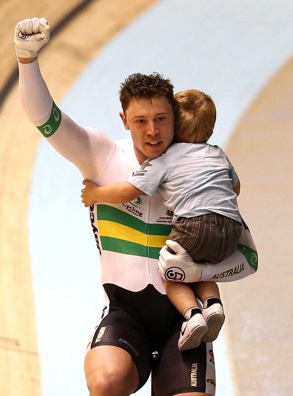 Shane Perkins (AUS) após vencer o Sprint por Equipes no Mundial de Ciclismo Pista 2012, em Melbourne (AUS)