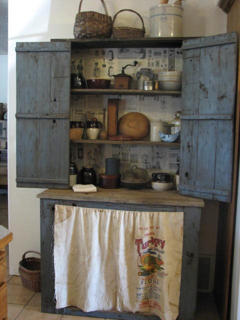 primitive crock bench | Loafer Mountain Primitives: I Finished the Stepback Cupboard!