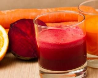Jus détox vitaminé orange, carotte et betterave