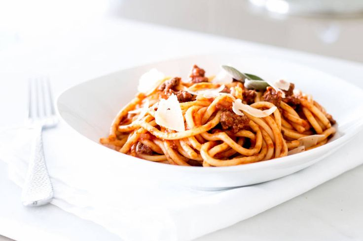 This simple bolognese recipe is a quick and easy version of classic bolognese. It still has plenty of flavor and great taste!