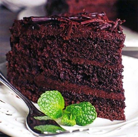 Karamelkondensmelk kan ook as bolaag gebruik word. Strooi gerasperde pepermentsjokolade bo-oor.