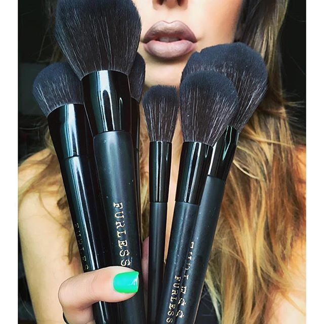 @juscallmetara: Some of the best brushes I've tried in a long time! @furlesscosmetics  And they are Cruelty FREE!  #furlesscosmetics