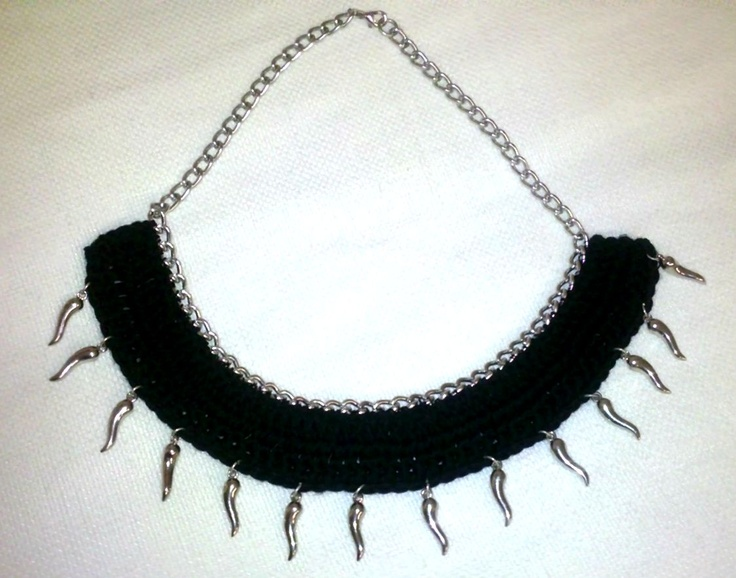 *closer look  Crochet Black necklace with silver chain