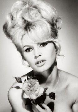 La coda di CODA DI CAVALLO di Brigitte Bardot sarà la bandiera per ...