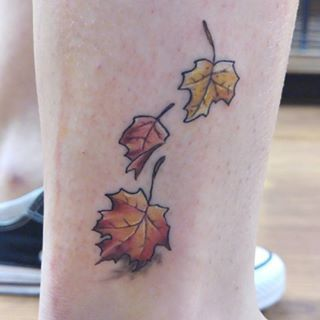 These small beauties that want to keep falling. | Community Post: 25 Autumn Leaf Tattoos You'll Totally Fall For