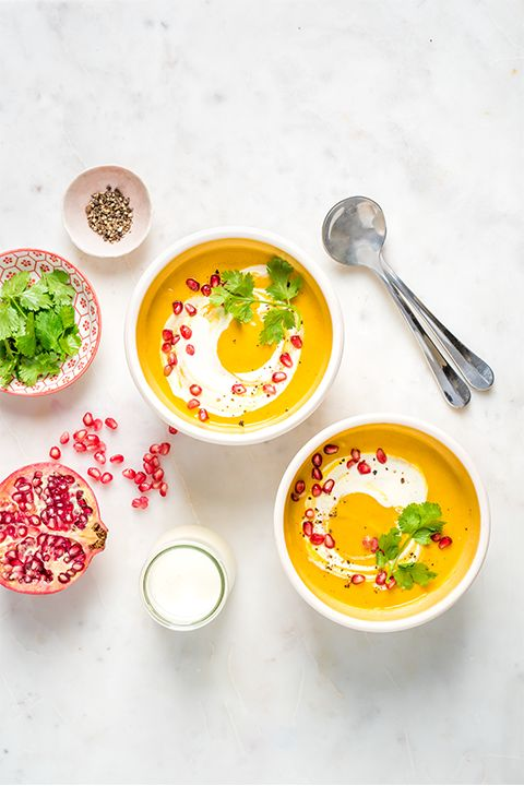 INGREDIENTS BY SAPUTO | This aromatic cream soup with fall vegetables brings out the flavour of sweet potatoes, squash and leeks. With Indian spices and pomegranate, it's the perfect appetizer idea for a unique Thanksgiving meal!