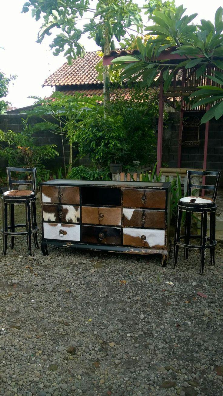 Javanese antique black secretions gray
