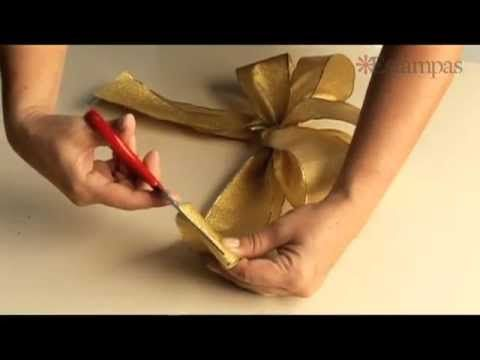 Lazos para adornar.  Make larger ribbon bows using bamboo skewers and cardboard ....similar to this bow .... From single bows to multiple using fork/finger techniques.....easy and fast