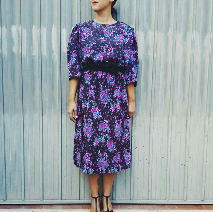 80s vintage floral dress , one size, €30,00 #dress #vintagedress #vintageclothes #floraldress #retrodress #vintageshop #maisonretrovintage