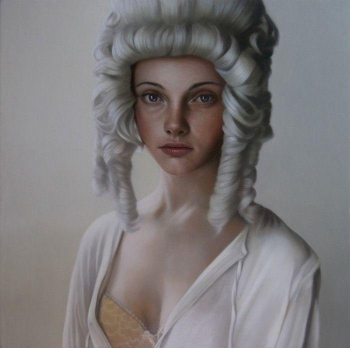 Современная британская художница Мэри Джейн Анселл работает в жанре гиперреализма. Бледные, временами похожие на фарфор – эти хрупкие девушки, полны очарования и некой таинственной загадочности, которая так привлекает зрителя, держа интригу до самого конца. И несмотря на то, что практически все героини автора чем-то опечалены, это никоем образом не мешает им быть в центре внимания, притягивая всё больше заинтересованных взглядов…