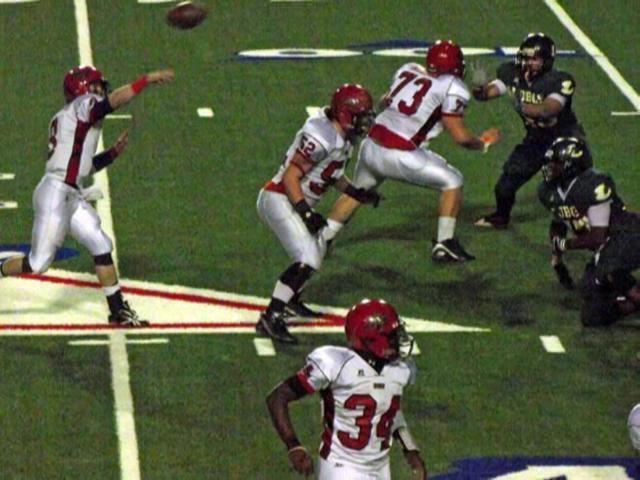 nothing liek east texas football! Mesquite Horn vs Longview Texas high school football playoffs 2010