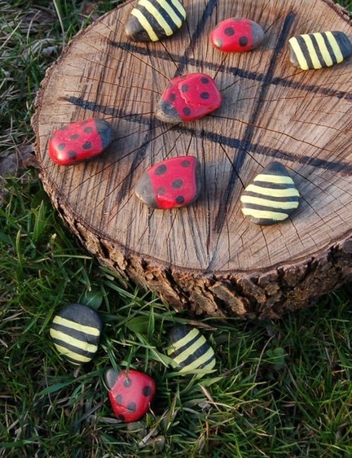 Cute tic-tac-toe board - bumble bee, lady bug