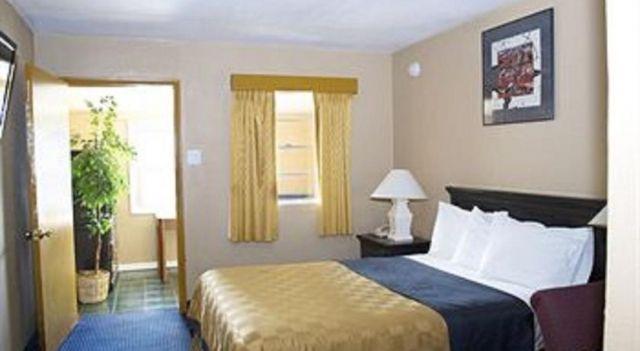 America s Best Inn Flagstaff - 1 Star #Motels - $35 - #Hotels #UnitedStatesofAmerica #Flagstaff http://www.justigo.biz/hotels/united-states-of-america/flagstaff/arizonan-motel_103911.html