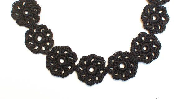 Crochet Flower Choker Pattern | Petals to PicotsPetals to Picots