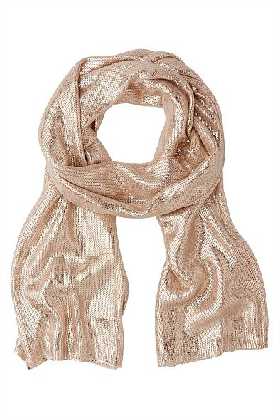 Metallic scarf from @WITCHERY Fashion  @Kay Beaver New Zealand #vintageknitaccessories #winter