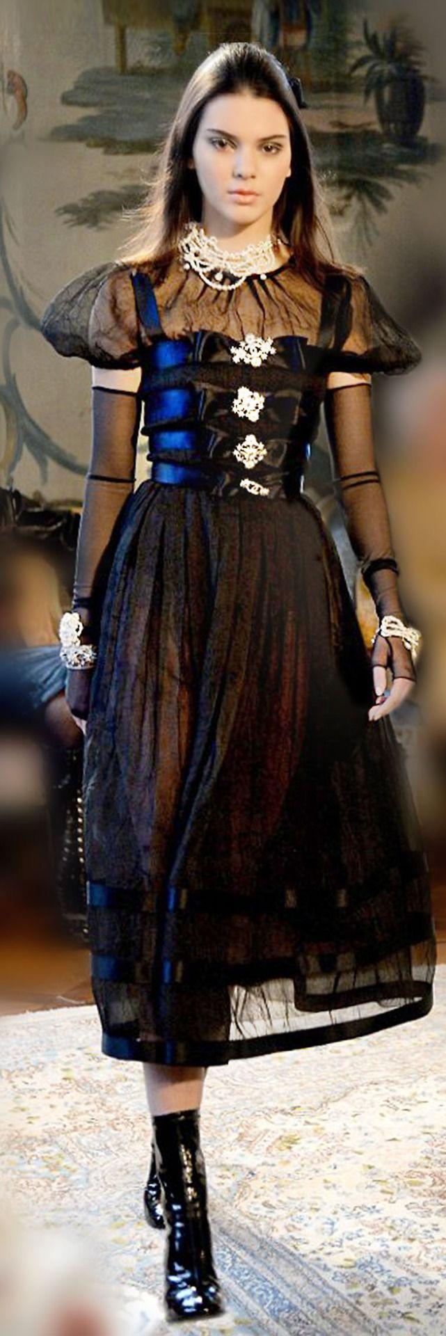 Farb Und Stilberatung Mit Www Farben Reich Chanel S Metiers D