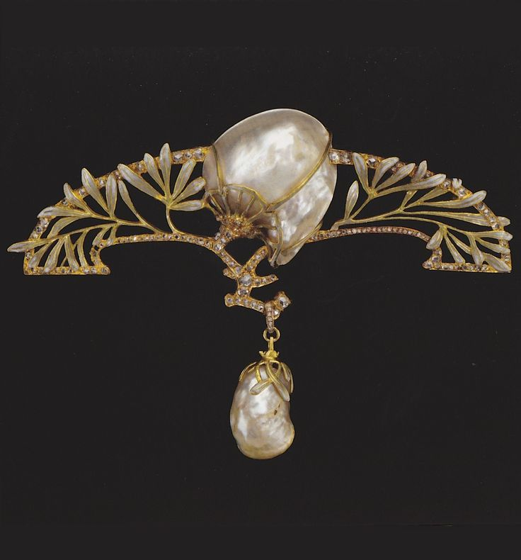 Brooch with leaves and blossoms, circa 1901, designed by Charles Desrosiers for Georges Fouquet. Gold, enamel and baroque pearl.: