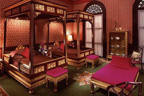 このホテルの宿泊者リストには、1876年の開業以来、サマセット・モーム、ジョセフ・コンラッドなど、錚々たる面々が名を連ねる。