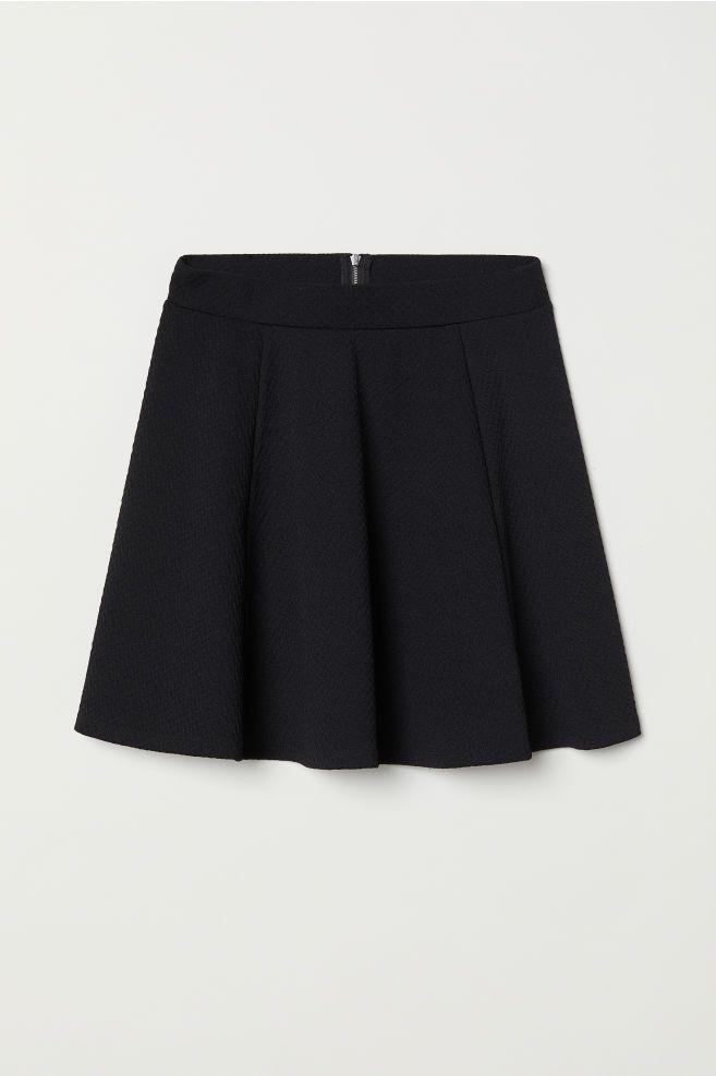 Skater Skirt – Closet Must Haves – #closet #Haves #skirt #skill  – Jupes