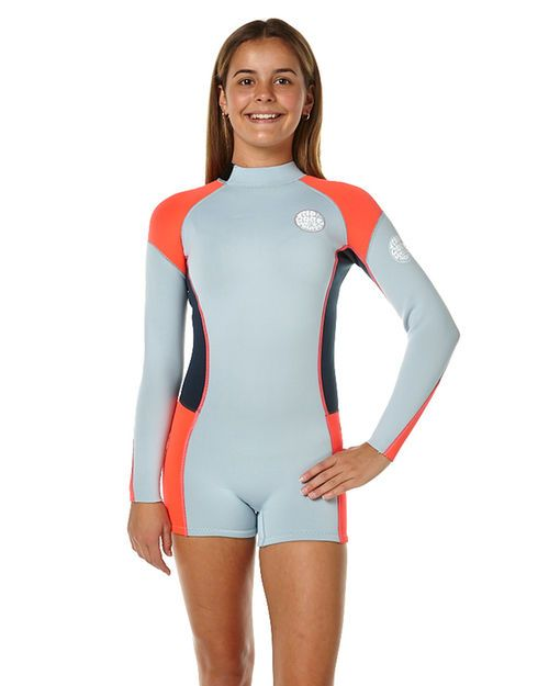 Features Type: Long Sleeve Spring Suit Colour: Light Blue Thickness: 2x2mm Entry System: Back Zip Neoprene: Super Stretchy Temp Guide: >22CSize + Fit Guide Model's Height: 153cm Model's Waist: 61cm Model's Hips: 72cm Model wears a Size: 12 Temperature Guide: If you're not sure of the most appropriate thickness for your region, use the below as a guide against the average water temperature for the time of year you are buying the suit for. Remember th...