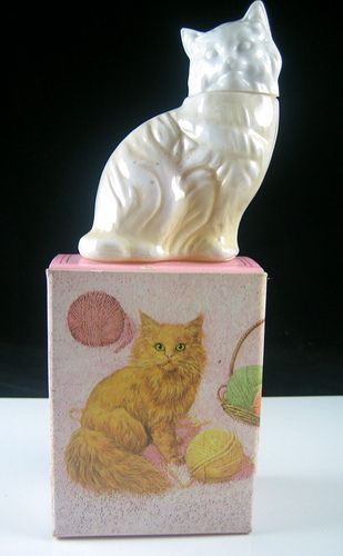 AVON - Once upon a time I owned a kitty just like this...wonder if I can find another? Such a pretty container! <3
