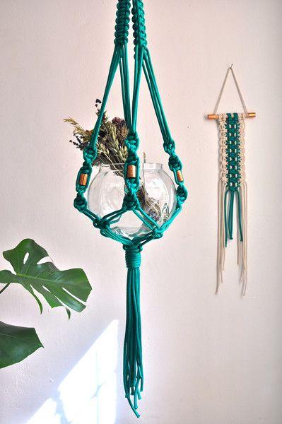 17 best images about diy hanging planters on pinterest. Black Bedroom Furniture Sets. Home Design Ideas