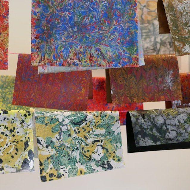 Smukke kunstværker fra mit kursus i marmorering på papir hos AOF Gladsaxe i lørdags